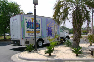 Catering_Panel_Truck_Palm_2007_05_30